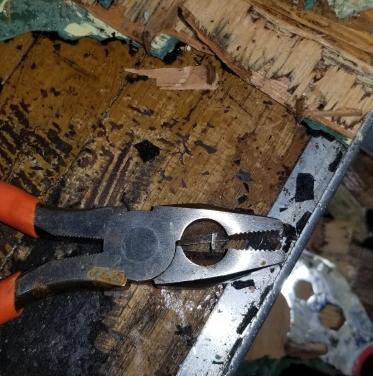 Kitchen Floor tack remove 2018